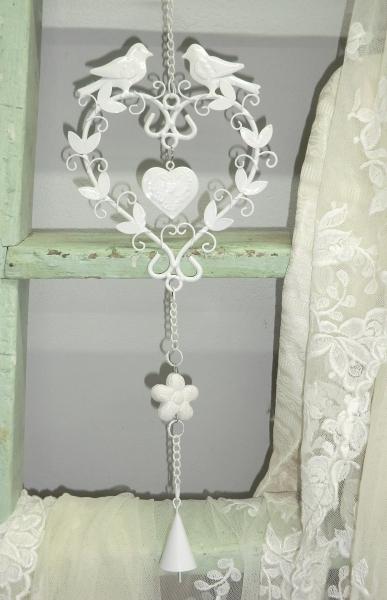 Süßes Herz aus Metall weiß mit Vögel + Glöckchen