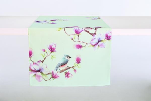 IHR Zauberhafter Tischläufer Spring Melody light blue Magnolie Vogel
