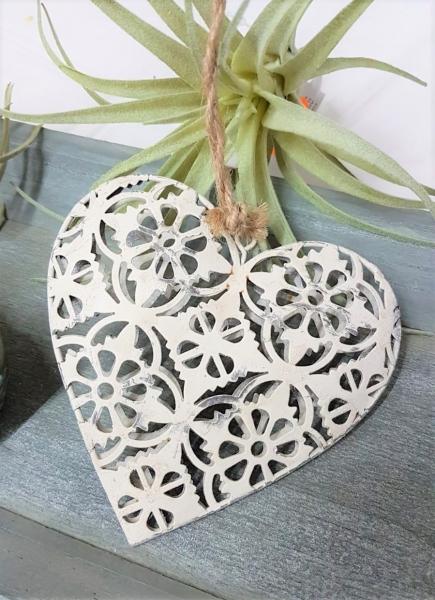 Kleines Herz aus Metall, Durchbruchmuster graphisch, creme grau, filigran