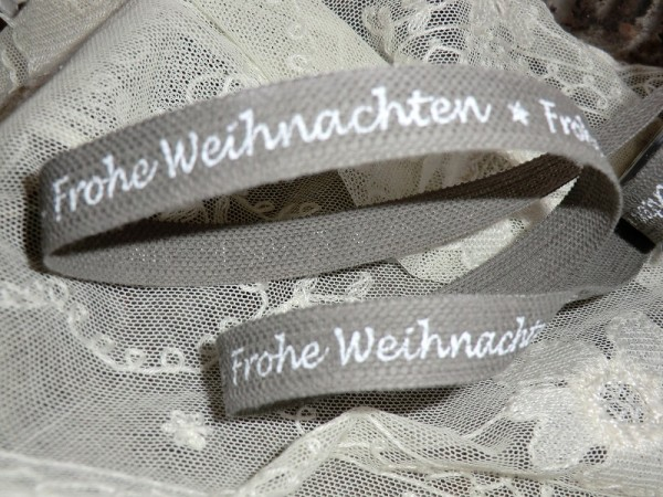 """W15 2 m Dekoband """"Frohe Weihnachten"""" 15 mm breit"""