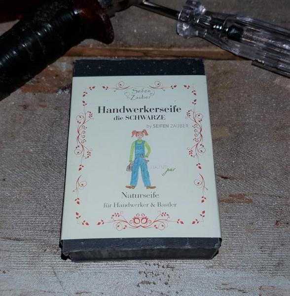 Seifen Zauber ca. 60 g Handwerkerseife die Schwarze, 60030, Naturseife für Handwerker und Bastler